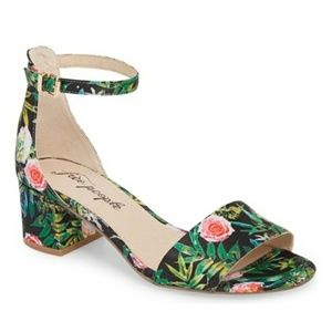 Free People Floral Sandals Size 9 NEW